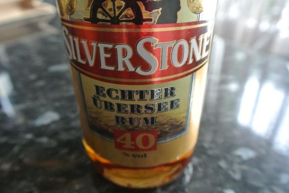De rum voor de rumtaart. Foto door Rita Koolstra.